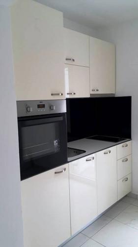 kuhinje kvk stolarija namjestaj slavonski brod  (2)